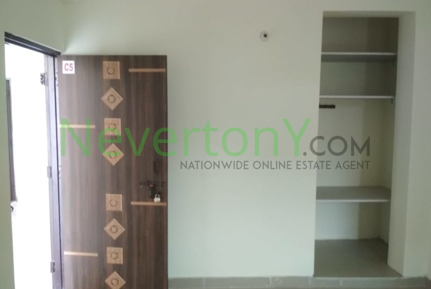 1-room-set-in-dwarka-sec-28-for-rent-nis1-00-023 (3)