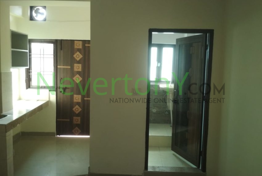 1-room-set-in-dwarka-sec-28-for-rent-nis1-00-023 (7)