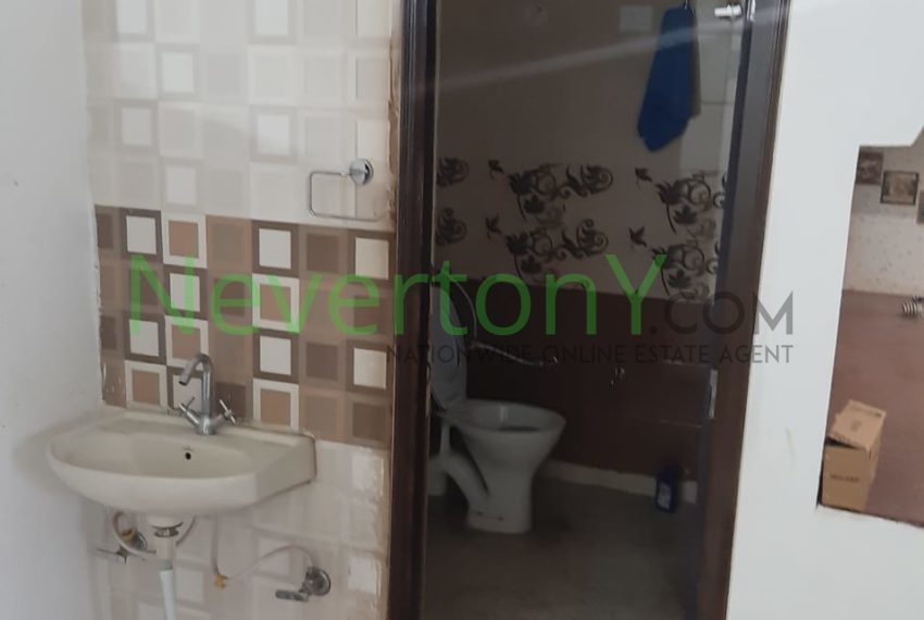 2-bhk-flat-for-rent-nis1-00-012 (3)