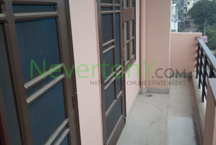 2-bhk-flat-for-rent-nis1-00-012 (5)