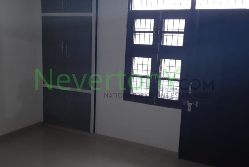 2-bhk-flat-for-rent-nis1-00-012 (7)