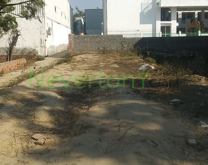 Plot In Dwarka NIS1-00-006 (2)