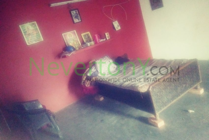 1-room-set-in-dwarka-sec-24-for-rent-nis1-00-035 (4)