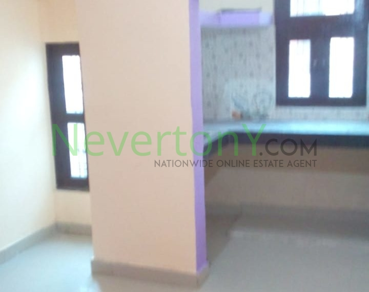 2-room-set-in-dwarka-sec-24-for-rent-nis1-00-037 (4)