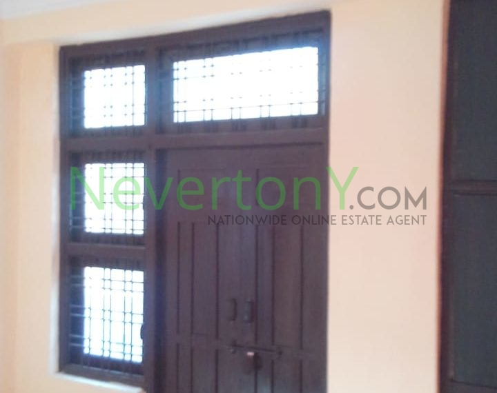 2-room-set-in-dwarka-sec-24-for-rent-nis1-00-037 (8)