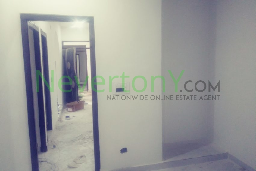 2-room-set-in-dwarka-sec-26-for-rent-nis1-00-027 (3)