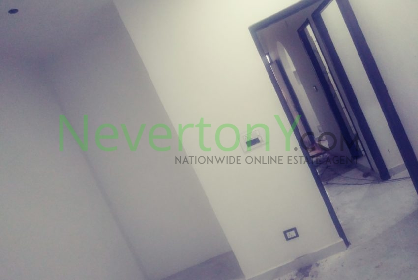 2-room-set-in-dwarka-sec-26-for-rent-nis1-00-027 (8)