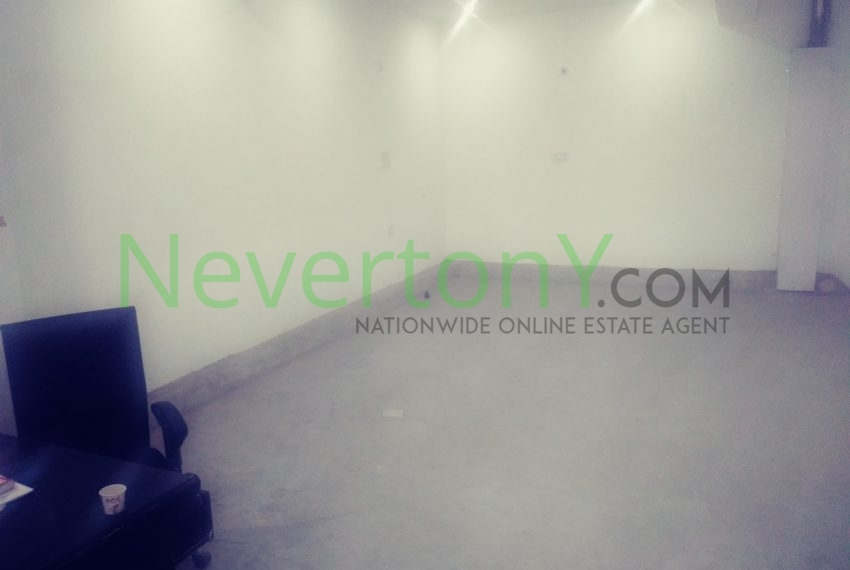 warehouse-in-dwarka-sec-24-for-rent-nis1-00-036 (5)
