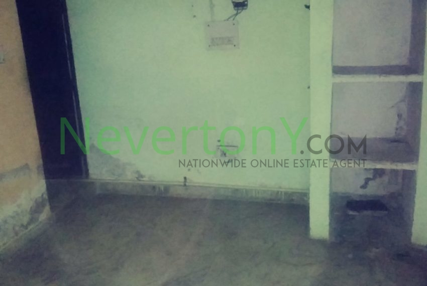 2-room-set-in-bijwasan-for-rent-nis1-00-048 (6)