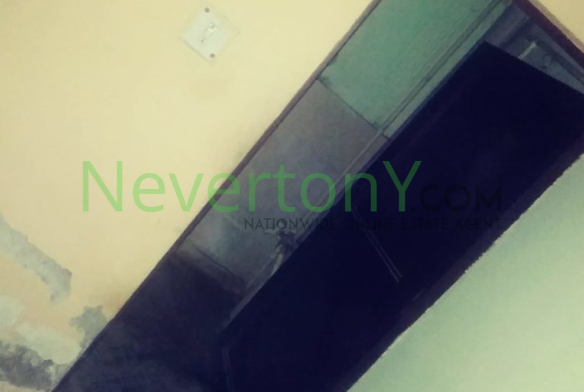 2-room-set-in-bijwasan-for-rent-nis1-00-048 (8)