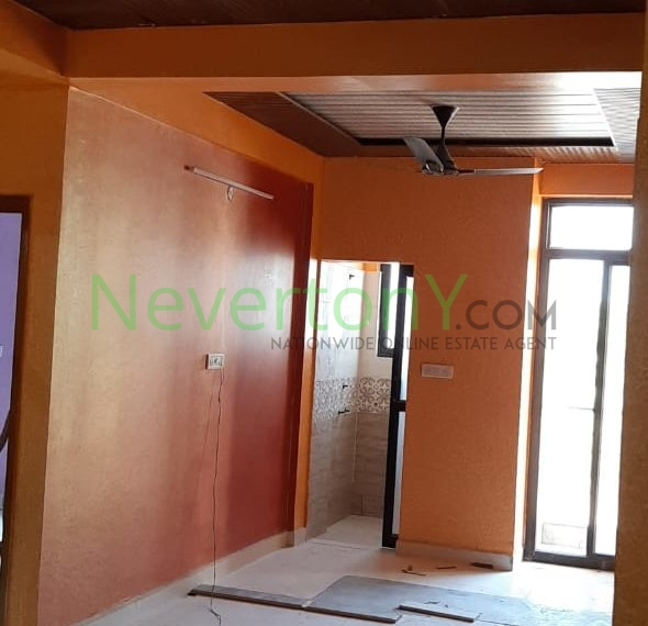 2-bhk-flat-in-dwarka-sec-28-for-sale-nis1-00-068 (2)