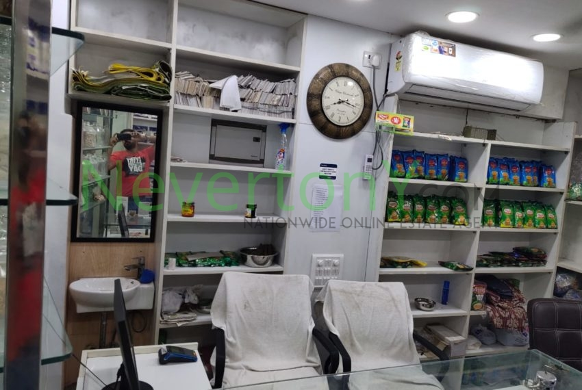 shop-in-shaheen-bagh-for-sale-nis1-00-094 (3)